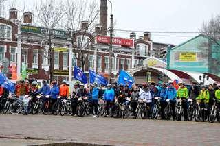 Мемориальный велопробег поддержали более 300 велосипедистов Приморья