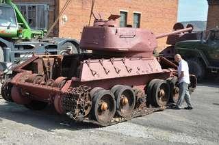 Легендарные танки Т34 доставили в Уссурийск