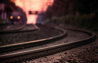 В Уссурийске мужчину насмерть сбил поезд