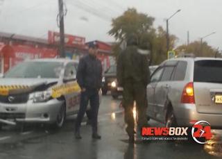 Две «Тойоты» столкнулись на перекрестке в Уссурийске