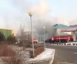 В Уссурийске пожарные отстояли автозаправочную станцию
