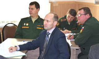 Почти 30 выпускников школ Уссурийска в осенний призыв отправились служить в армию по контракту