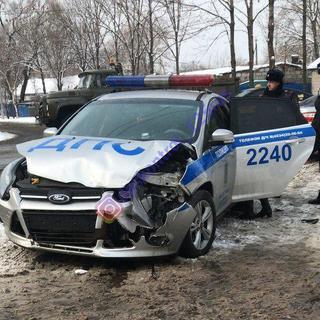 В Уссурийске столкнулись автомобиль ДПС и Lexus