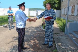 В Уссурийске транспортные полицейские поздравили ветеранов службы с юбилеями