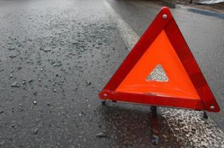 В Уссурийске в результате аварии машина ушла в теплотрассу. Видео