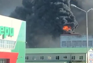 Крыша гостиницы загорелась в Уссурийске