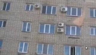В Уссурийске мужчина разбился насмерть, выпав из окна 6-этажного дома