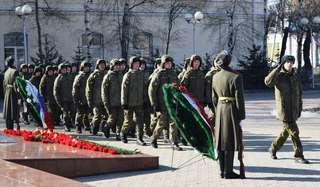 Церемонии возложения венков и цветов, посвященные Дню защитника Отечества, прошли в Уссурийске