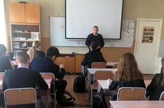 В Уссурийске инспекторы ПДН транспортной полиции проводят профилактические  беседы накануне каникул