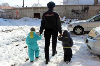 В Уссурийске сотрудники полиции навестили семьи, состоящие на профилактическом учете