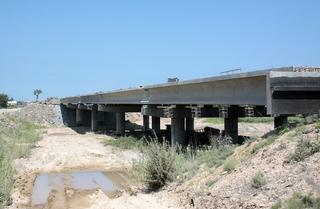Новый мост в Приморье готовят к бетонированию