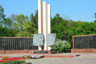 Полиция Уссурийска ищет вандалов, засыпавших землей Вечный огонь на площади Победы