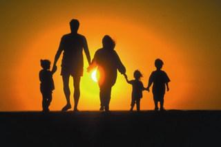 Молодые семьи Уссурийска получили сертификаты на приобретение жилья