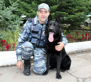 В Уссурийске служебная собака помогла полицейским обнаружить наркотики