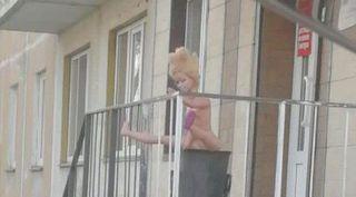 Блондинка с идеальными пропорциями тела привлекла внимание приморцев