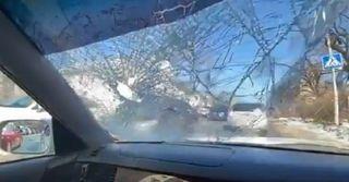 «Это жесть, лобовое пробило насквозь»: Житель Владивостока предупредил об опасности в Уссурийске