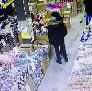 Есть видеозапись: в Приморье мужчина и женщина попались за преступлением