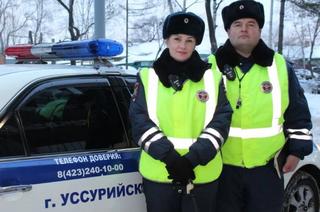 Сотрудники Госавтоинспекции Уссурийска не оставили в беде автолюбительницу