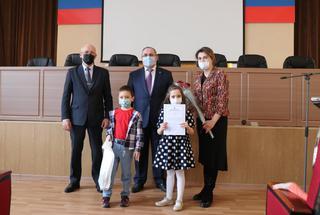 Новоселье в этом году отметят 12 молодых семей Уссурийска