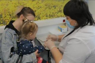 Более 400 детей осмотрели в медицинском автопоезде за четыре дня