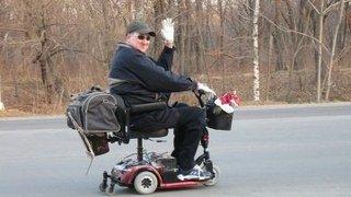 Житель Приморского края на инвалидной коляске совершает автопробег по городам России
