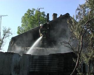 Третий пожар в доме на Крестьянской: соседи боятся за свою жизнь
