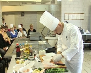 Лучший шеф-повар Уссурийска поделился кулинарными секретами на мастер-классе