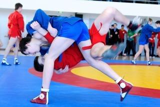 В Школе педагогики ДВФУ прошёл дальневосточный турнир по самбо