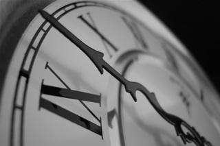 Переход на зимнее время могут вернуть жителям Приморья в 2012 году