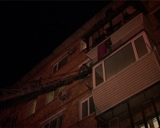Годовалый ребёнок пленил маму на балконе