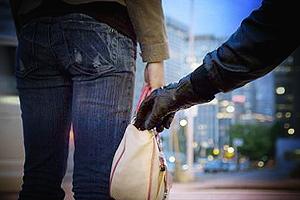 В Уссурийске полицейские поймали грабителя