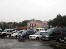 Автовладельцы превратили центральную площадь Уссурийска в стоянку для транспортных средств