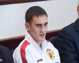 Уссуриец Александр Захаров стал Чемпионом Мира среди юниоров по кикбоксингу