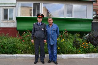 В Уссурийске пенсионер поблагодарил старшину полиции за раскрытое преступление