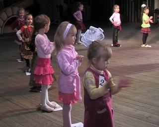 12 малышей в возрасте от 3 до 5 лет готовятся завоевать титул